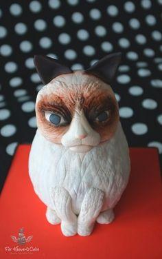 Grumpy Cat Cake! #grumpycat #grumpycatcake #noveltycake www.forheavenscake.ie Grumpy Cat Cakes, Novelty Cakes, Heavens, Owl, Bird, Cats, Animals, Gatos, Animaux