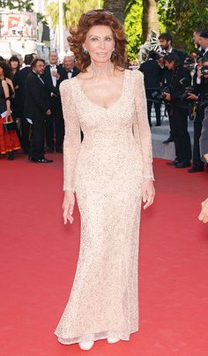 Stunning! Sophia Loren looked absolutely beautiful in Cannes this week at 79 years old.