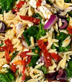 Spinach Orzo Salad I didn t add the mint leaves substituted lightly toasted pine nuts instead Also added 1 2 cup Kraft sundried tomato salad dressing Delicious Spinach Orzo Salad, Orzo Salad Recipes, Tomato Salad, Crab Salad, Spinach Recipes, Greek Orzo Salad, Pasta Recipes, Greek Pasta, Sauces