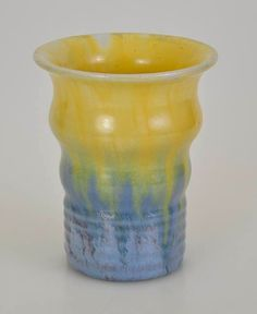 11.5cm x 9.5cm Newtone ART Pottery 1930s Blue Yellow Ribbed Vase Stamped | eBay