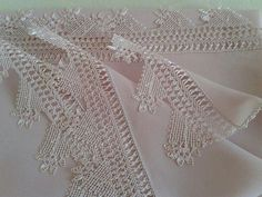 Hairpin Lace, Needle Lace, Little Things, Hair Pins, Lace Shorts, Knots, Needlework, Crochet Top, Diy And Crafts