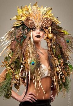 Dulce et Decorum - DIY, Fashion, Inspiration  {Feathers and Fur, headdress and costumes}