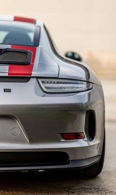 Amazing 911R