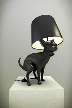 Caca de perro para encender las luces de la Lampara?