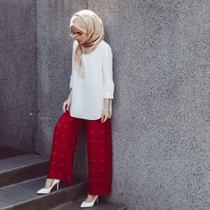 Wearing Oversized Long sleeve shirt, Print relaxed pants and Alrism printed stole scarf, from for Simple style for hari raya Islamic Fashion, Muslim Fashion, Modest Fashion, Hijab Fashion, Oversized Long Sleeve Shirt, Casual Hijab Outfit, Modest Wear, Muslim Girls, Long Tops