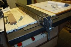 Homemade table saw fence Clamping brackets and -cam Diy Table Saw Fence, Homemade Tables, Bing Images, Workshop, Woodworking, Community, Tools, Atelier, Instruments