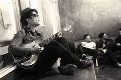 Bruno Mars <3 - Gotta love a guy and his guitar.