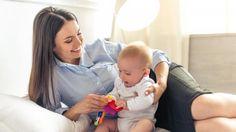 Belikan Anak Banyak Mainan Demi 'Tebus' Rasa Bersalah Ibu Bekerja, Tepatkah?