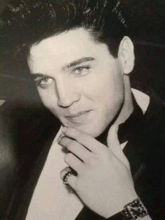 Elvis                                                                                                                                                      Más