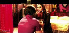 Download Hot Song Sone Ka Paani of Badlapur http://h-lq.mobvd.org/Hindi_Videos/download_song.php?id=11461