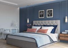 Спальня с синей стеной и молдингами