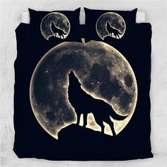 Howling Wolf Duvet Cover Set This bedding set has the most fascinating catchy look, with colourful artwork that leaves everyone staring in awe. Let your bed cover remind you to laugh, live every moment and love beyond words. Bed Covers, Duvet Cover Sets, Pillow Covers, Pillow Inserts, King Comforter, Comforter Sets, Nocturne, Percale De Coton, Wolf Moon