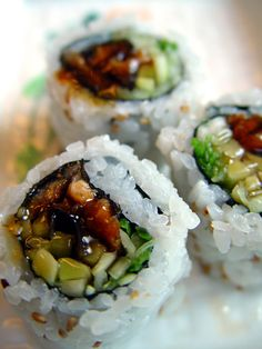 sushi for lunch . Looking at this kind of sushi food selection. Sushi Recipes, Asian Recipes, Vegetarian Recipes, Cooking Recipes, Healthy Recipes, I Love Food, Good Food, Yummy Food, Tasty