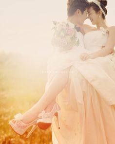 romantic outdoor Korea pre wedding photo in Jeju Island