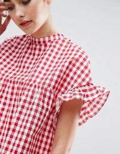 Asos Petite Sleeveless Peplum Top In Gingham « voguee. Cos Dresses, Simple Dresses, Casual Outfits, Cute Outfits, Fashion Outfits, Fashion Bazaar, Denim Tunic, Fashion Jackson, Young Fashion