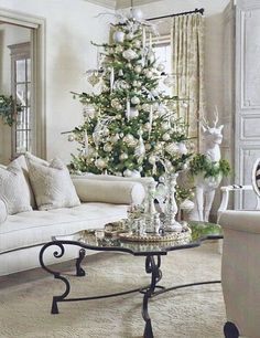 love this for like a formal tree in the living room - not the one with the presents under it though - that one will be in the den and be more personalized