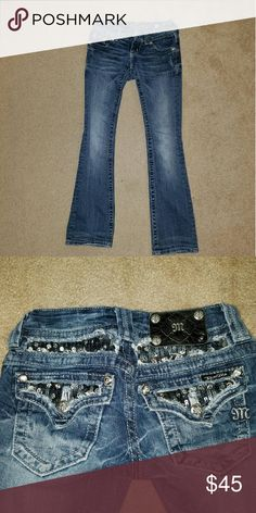 Embellished sequence Miss Me jeans Style 5392B2R. Inseam 31 in. Design is intact. Minimal signs of wear on end of jeans. Miss Me Jeans Boot Cut