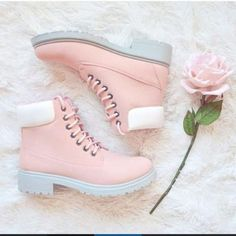 Couples ugg boots with velvet Martin boots Paare Ugg Stiefel mit Samt Martin Stiefel Ugg Boots, Shoe Boots, Shoes Heels, Shoe Bag, Boots With Heels, Bootie Boots, Kd Shoes, Calf Boots, Running Shoes