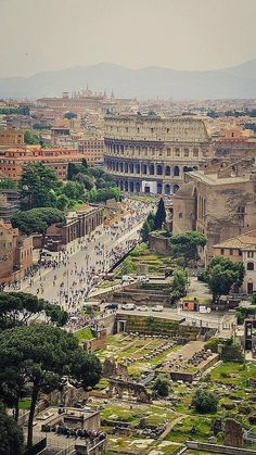 Ruins can be romantic, as Rome proves time and again. Source: Courtesy of evagn via Pinterest