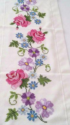 The most beautiful cross-stitch pattern - Knitting, Crochet Love Cross Stitch Borders, Cross Stitch Rose, Cross Stitch Flowers, Cross Stitch Designs, Cross Stitching, Cross Stitch Embroidery, Hand Embroidery, Cross Stitch Patterns, Embroidery Designs