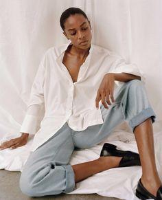 Le Fashion: 5 Minimalist Fall Outfit Ideas to Wear All Season Long Versatile Denim, Light Blue Jeans, High Rise Jeans, Colorful Fashion, Organic Cotton, Women Wear, Man Shop, Cos, Outfit Ideas