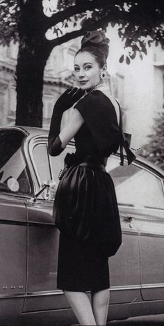 We love vintage glamour