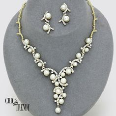 OFF WHITE PEARL & CRYSTAL BRIDE PROM WEDDING FORMAL NECKLACE JEWELRY SET