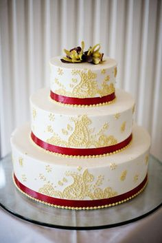 White an red paisley cake