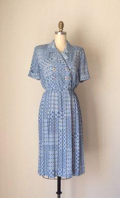 Blue & White Geometric print Dress // Vintage 80s Shirtwaist dress // Pleated skirt cornflower blue Shirtdress size 6 on Etsy, $35.00