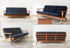 Hans Jørgensen Wegner Sofa