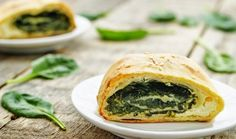Χωριάτικη σπανακόπιτα Ricotta, Spanakopita, Salmon Burgers, Vegetarian Recipes, Food And Drink, Meals, Dishes, Ethnic Recipes, Salad