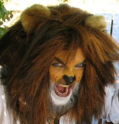 Lion Costume Mane and Tail by DelicateBeast on Etsy Wizard Of Oz Lion, Wizard Of Oz Witch, Narnia Costumes, Cat Costumes, Costume Ideas, Fairy Costumes, Lion Makeup, Full Face Makeup, Crazy Makeup