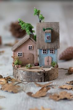 Decorative wooden houses woodworking bench woodworking bench bench diy bench garage workbench bench plans crafts christmas crafts diy crafts hobbies crafts ideas crafts to sell crafts wooden signs Scrap Wood Crafts, Wooden Crafts, Diy And Crafts, Hand Crafts, Driftwood Projects, Driftwood Art, Small Wooden House, Wooden Houses, Diy Décoration