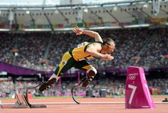 Oscar Pistorius advances to 400-m semifinals with second place finish in his heat