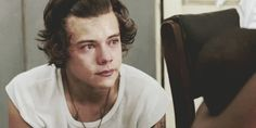 When Harry Styles cried actual angel tears. | 25 Times Celebrities Proved No One Looks Good When They Cry<<<<< :( he is the only celeb that looks good in this collection