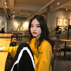 Korean Fashion Trends you can Steal – Designer Fashion Tips Ulzzang Korean Girl, Cute Korean Girl, Asian Girl, K Fashion, Ulzzang Fashion, Korean Aesthetic, Aesthetic Girl, Uzzlang Girl, Korean Fashion Trends