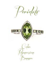 #Anello in oro bianco con #peridoto.  http://www.gioielloitaliano.net/anelli/oro/bianco/anello-in-oro-bianco-18-kt-con-peridoto.html