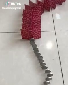Interesting Dominos - The Effective Pictures We Offer You About pizza recipes A quality picture can tell you many things - Satisfying Pictures, Oddly Satisfying Videos, Satisfying Things, Cool Paper Crafts, Fun Crafts, Diy And Crafts, 5 Minute Crafts Videos, Craft Videos, Cool Illusions