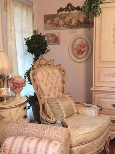 Shabby Chic Interior Design Ideas For Your Home Shabby Chic Bedrooms, Decor, Chic Home Decor, Shabby Chic Interiors, Victorian Decor, Home Decor, Shabby Chic Furniture, Chic Furniture, Shabby Chic