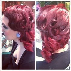 1920s vintage retro hairstyle with fingerwaves. Perfect for a classic bride style or even bridesmaid hair.