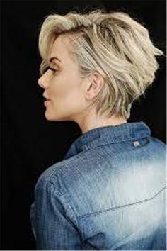 2018 Die neuesten längeren Pixie-Frisuren - Nice - Short hair cuts for women Long Pixie Hairstyles, Cool Hairstyles, Short Haircuts For Women, Hairstyle Ideas, Hairstyle Short, Short Womens Hairstyles, Short Hair Cuts For Women Pixie, Blonde Haircuts, Latest Hairstyles