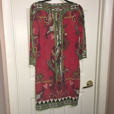 ECI SHIFT DRESS tunic WOMEN size 4 RED PAISLEY STRETCH KNIT poly spandex #ECI #Shift Ebay Dresses, Faux Leather Belts, Now And Forever, Paisley, Cold Shoulder Dress, Tunic, Spandex, Knitting, Red