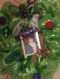 Wreath for Rondas grave I made for you. Merry Christmas my sister.
