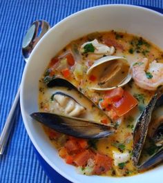 Thai-Coconut Bouillabaisse with shrimp, clams, mussels, halibut. Maybe without the mussels Fish Recipes, Seafood Recipes, Paleo Recipes, Asian Recipes, Soup Recipes, Cooking Recipes, Cooking Games, Seafood Soup, Seafood Dishes