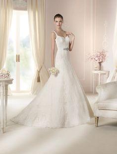 #Vestido de #novia con corte A, de tirantes y escote en V, con detalle en la cintura. Modelo DARYL. chantu.es