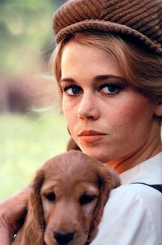 Jane Fonda. Frequently plays single women, often due to problematic relationships