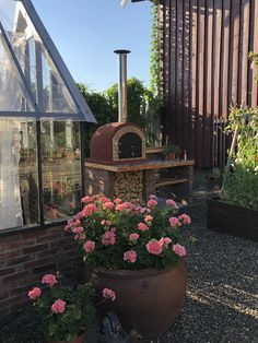 Bakerovn Outdoor Spaces, Oven, Pizza, Bread, Plants, Courtyards, Outdoor Living Spaces, Brot, Ovens