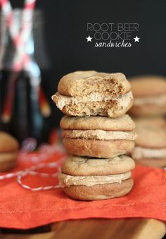 Root Beer Cookie Sandwiches | www.cookiesandcups.com