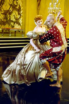 Deborah Kerr  Yul Brynner in The King and I. Shall we dance, classic dance scene, classic movie.