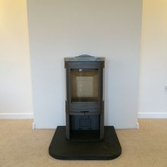 The Contura 860t  has soapstone cladding which warms up slowly during burning and then slowly releases heat into the room long after the fire has gone out.     #contura #stove #fire #soapstone #modern #contemporary #freestandig #log #wood #burner #living #room #interior #kernowfires #wadebridge #redruth #cornwall